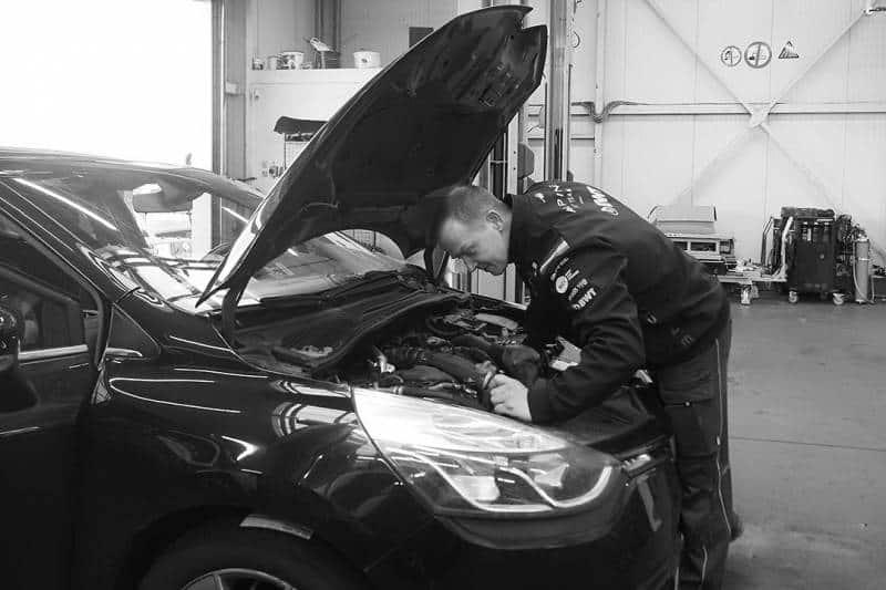 Werkstatt Schouren Reparatur von PKW, Transportern und Wohnmobilen