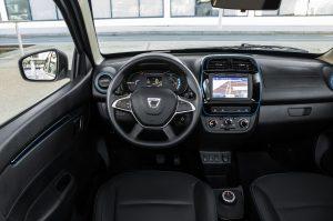 Dacia Probefahrt bei Autohaus Schouren
