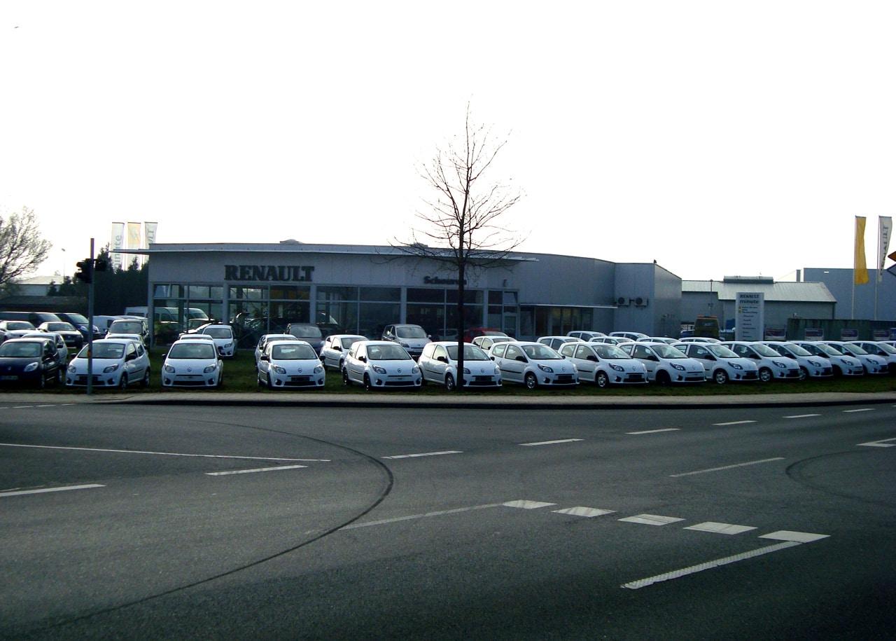 Seit 2008 betreut das Autohaus Schouren den Fuhrpark des britischen Militärs.