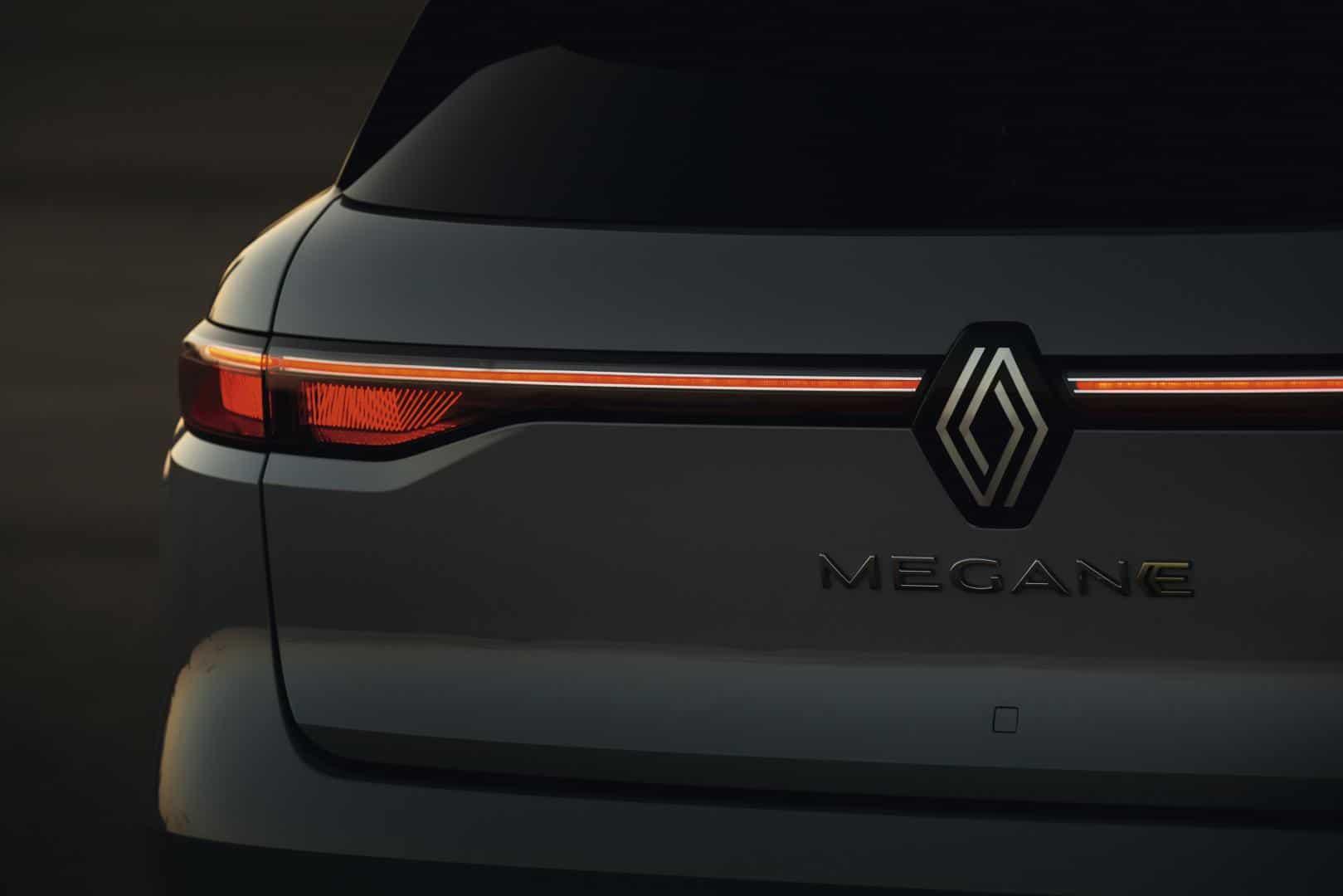 Neue Voll-Lichtsignatur vorne und hinten beim Renault Mégane E-TECH Electric Autohaus Schouren