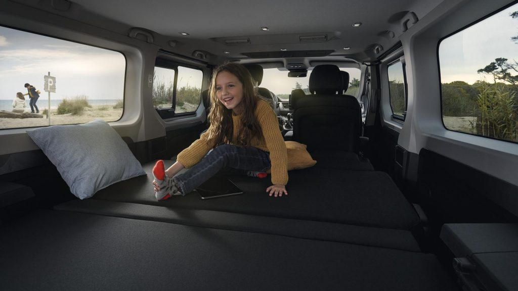 Renault TRAFIC Combi SpaceClass Freizeitfahrzeug mit Liegefläche Autohaus Schouren