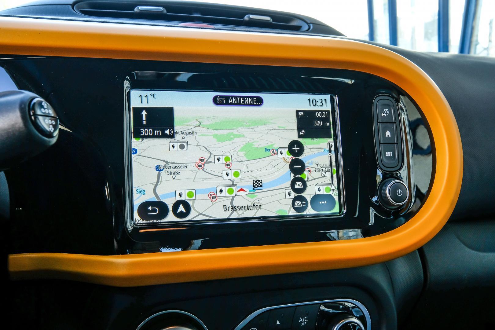 Das Online-Multimedia-System EASY LINK des Renault TWINGO ELECTRIC Autohaus Schouren