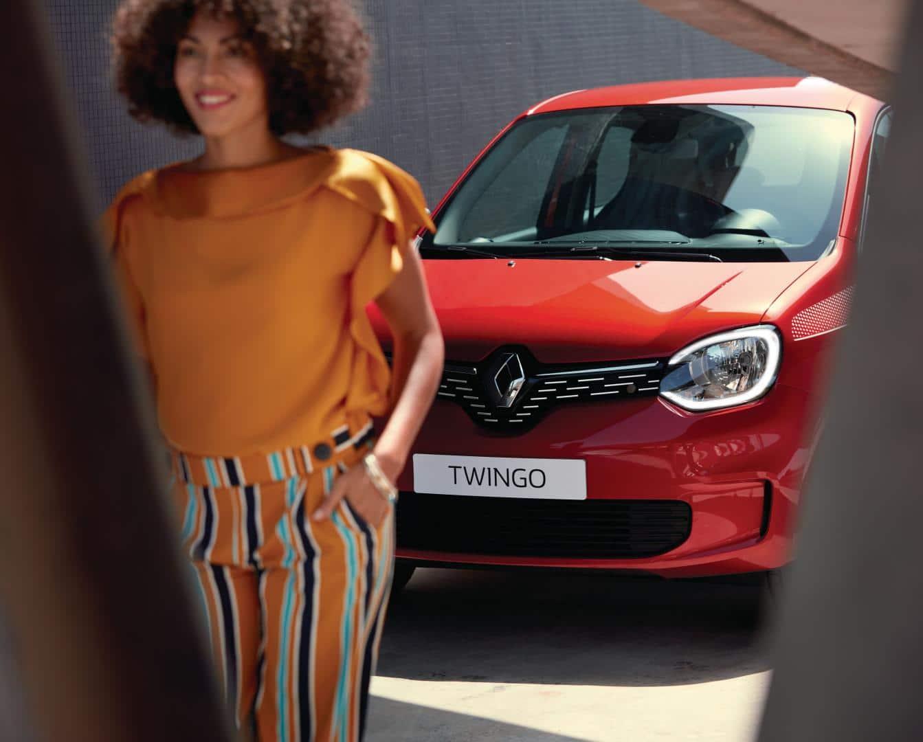 LED-Tagfahrlichter in C-Form des Renault TWINGO Autohaus Schouren