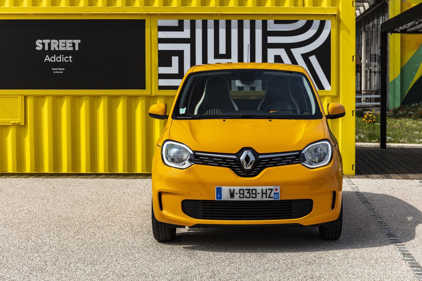 Modifizierte Frontpartie des Renault TWINGO Autohaus Schouren